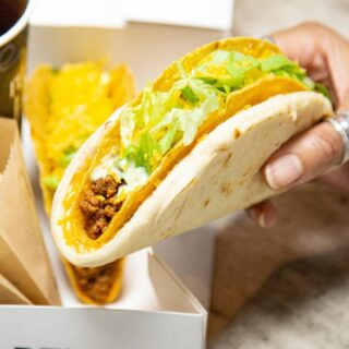 They say the secret ingredient is always cheese, but it's no secret our #CheesyGorditaCrunch is packed with it! 🤤 #TacoBellNL
